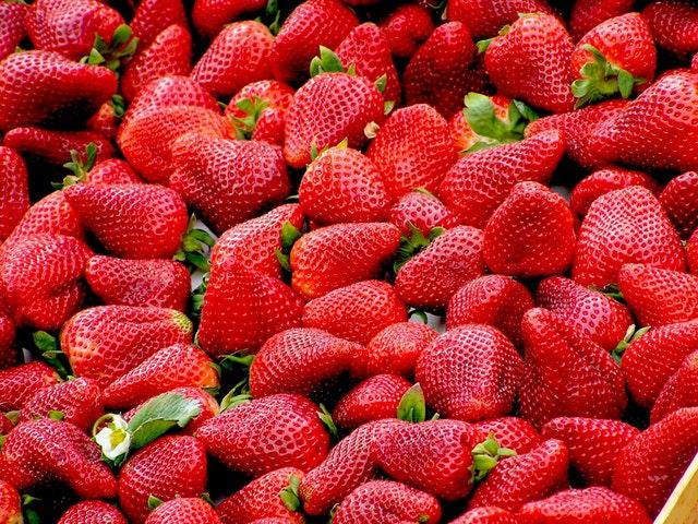 ผลไม้ลดความอ้วน strawberry